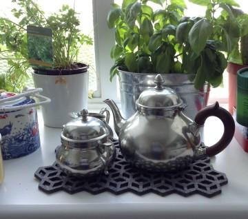 Anna R. – Tea Set
