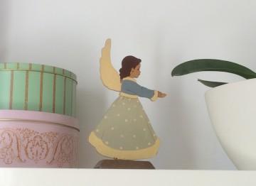 Lisa B. - Ange Figurine